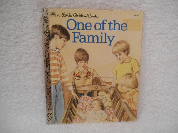 Pequeño libro de oro Uno de la familia  Por Peggy