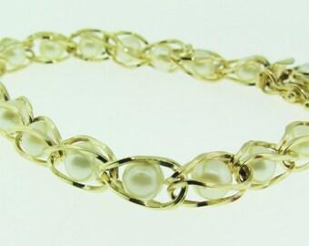 Vintage 14 K gold and pearls bracelet