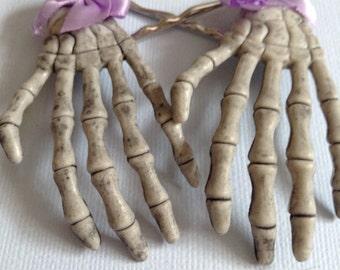 Squeleton hands hair pins