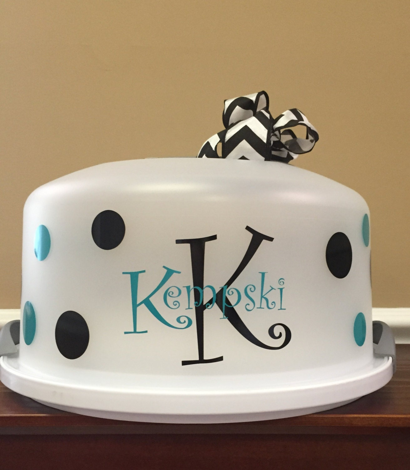 wedding cake carrier personalized established wedding cake carrier by 5throwsouth 22169