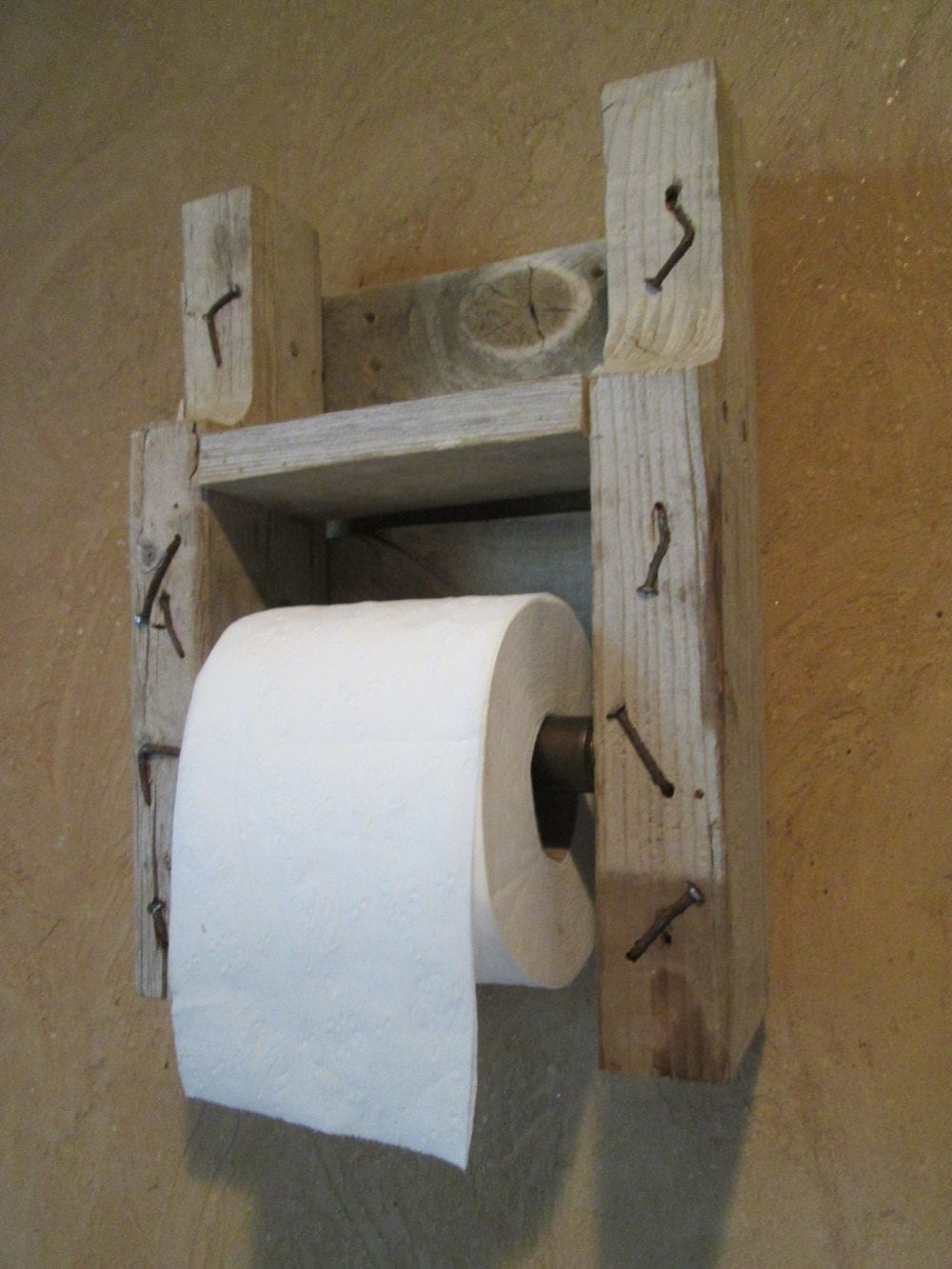 Rustic wood toilet paper holder by bessiesartandmusic on etsy Wood toilet paper holders