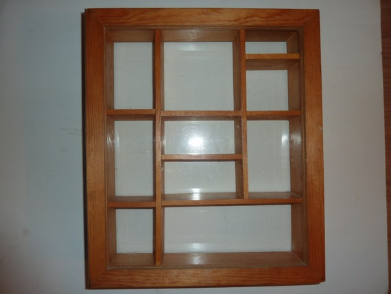 vintage wooden display box case shadow box wooden wood glass. Black Bedroom Furniture Sets. Home Design Ideas