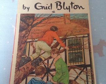 Vintage Enid Blyton 'The Mystery of the Secret Room'.  1966