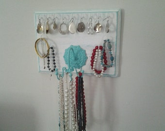 Jewelry organizer, distressed wood, jewelry spinner