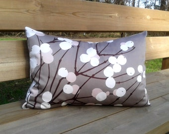Modern pillow cover made from Marimekko fabric Lumimarja, throw pillow or cushion cover, sham, Scandinavian design, neutral accent pillow