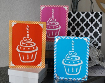Save 2 dollars -Pack of 3 Birthday Cards - Cute Cupcake