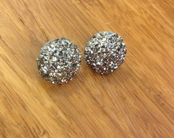 Dark silver sparkly stud earrings. Nickel free. 14MM.  #11