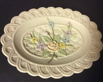 Antique Ivory Handpainted Soap dish, by Lefton #KW8245.