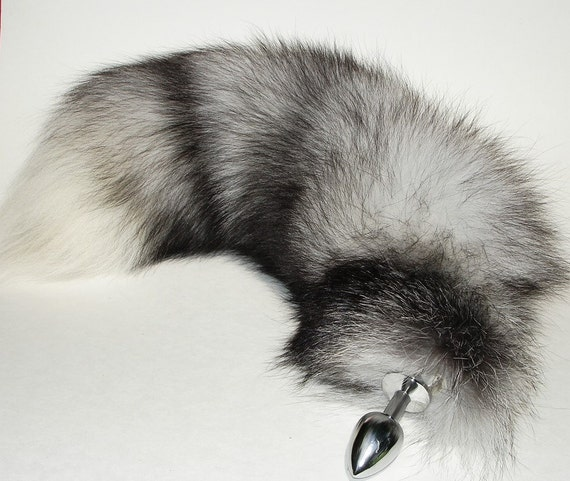 Wolf tail butt plug
