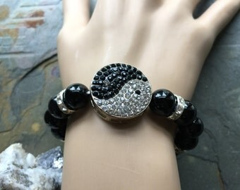 Black Agate Yin Yang Charm Stretch Bracelet