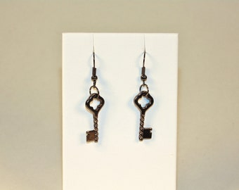 Quarterfoil Key Earrings