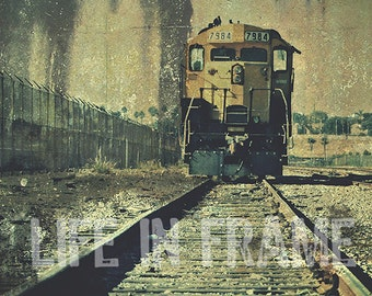 The Grunge Train, Color photography