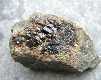 Hessonite Garnet from Azerbaijan (4.8 x 2.6 x 2.1 cm)