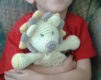 crochet lion lovey blanket
