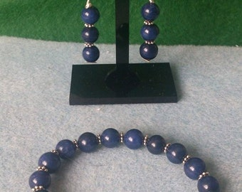 Beautiful sapphire blue quartzite stretchy bracelet with matching earrings