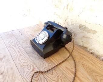 Elegant Art Deco, fully working British vintage GPO (General Post Office) ring dial telephone, 200 series in black.