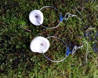 Puka sea shell hoop earrings