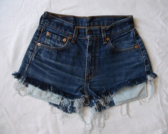 High waisted shorts, Levis 595 blue denim jean shorts, vintage frayed distressed denim, pockets out jean shorts, small waist 26
