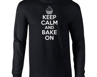 Keep Calm And Bake On  Mens Long Sleeve T-Shirt Funny Baking Cupcake Sweets  Tee - B544