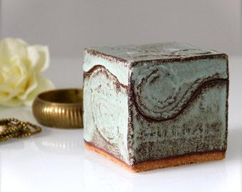 Ceramic box cube, Indian style