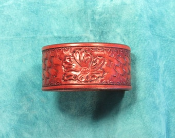 "1.5"" Wide Flower Over Basket Weave Leather Bracelet"