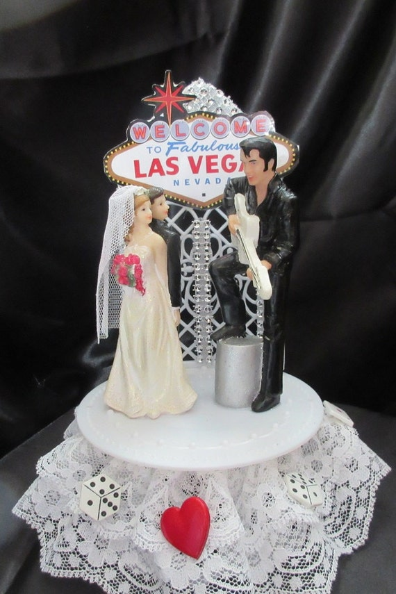 vegas themed wedding cake toppers las vegas wedding cake topper by uniqueweddincreation on etsy 21574