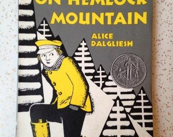the bears on hemlock mountain by alice dalgliesh childrens book mid century graphics