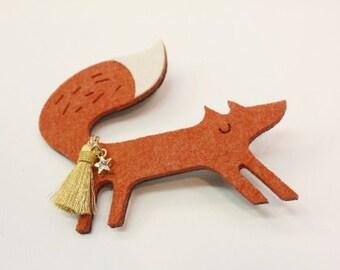 Felt fox hair clip