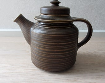 15% discount - Teapot from Arabia of Finland. Vintage teapot form the Kaarna serie designed by Göran Bäck. 60s midcentury from Finland