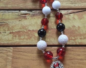 Beautiful Minnie Mouse Chunky Bubblegum Necklace, Minnie Mouse, Childs necklace, Beaded Necklace, Waterproof pendant