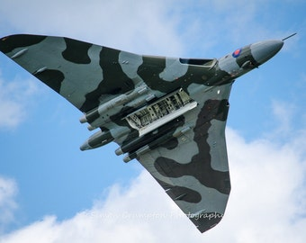 Vulcan Bomber - Airplane - Aircraft - Aeroplane - Fine Art Print