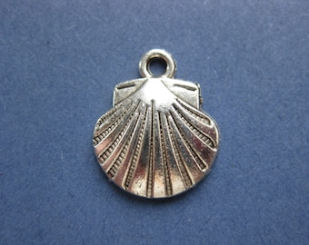 10 Shell Charms - Sea Shell Charm - Shell Pendant - Silver Tone - 17mm x 15mm  --(J8-10644)