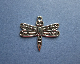 10 Dragonfly Charms - Dragonfly Pendants - Dragon Fly - Antique Silver - 26mm x 30mm -- (K1-11190)