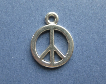 10 Peace Charms - Peace Pendants - Peace Symbol - Peace - Peace Sign - Antique Silver - 14mm x 17mm --(U2-10593)