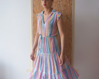 Summer time / dress Vintage / size S-M / color Pastel /Midi