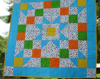 Lotsa dots baby quilt, FREE SHIPPING