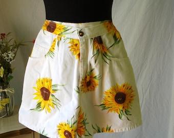 1980's En Chante' high-waisted sunflower shorts, festival shorts