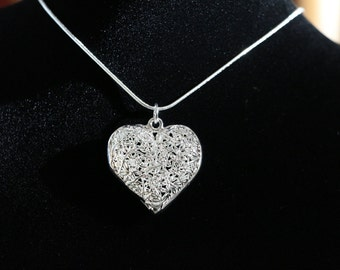 "Heart shaped frost pattern pendant with 925 sterling silver 18"" necklace"