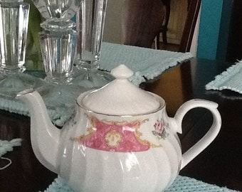 China teapot, Truly Taseful. Tea party perfect, So summer