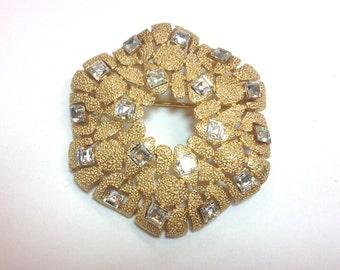 Trifari 50s Brushed Gold Brooch Pin | Rhinestone Floral Brooch | Trifari