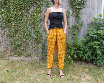 Stylish Gold Paisley Silk Trousers Harem Pants S M 28 30 Indian Boho Ethnic Festival Funky Yellow Brown Classy Satin Retro Yoga Meditation