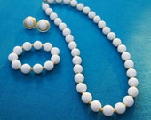 Wilma Flinstone-esque White and Gold Vintage Jewelry Set 1960s