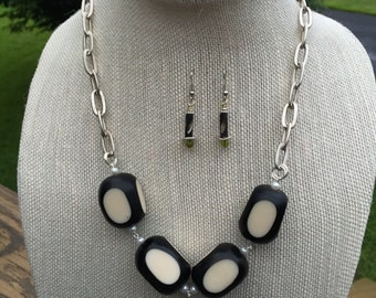 Cookies N Cream Chain Necklace Set