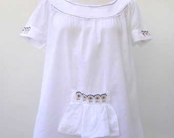 Embroidered white blouse / White embroidered Blouse