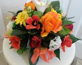 Artifical silk flower posie arrangement