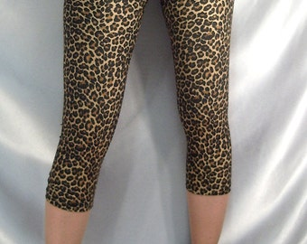 Short leopard print leggings