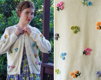 FLOWER Bouquet 1960's 70's Vintage White Acrylic Knit Cardigan Sweater with Colorful Textured knit Flowers // by KIMLON // size Large