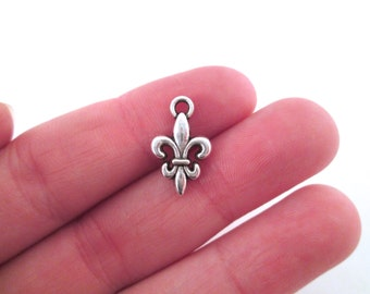 Silver plated fleur de lys charm pendants (10x16mm), pick your amount, G36