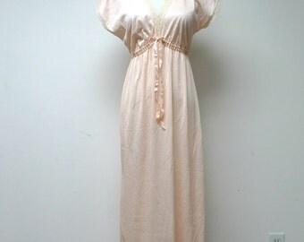 SALE!!! . SOFTNESS for Avon . light peach lingerie . sleepwear . small . made in USA