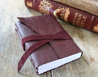 "Leather Journal . Virginia Woolf: ""If you do not tell the truth about yourself you cannot tell it about other people"" . handmade (320pgs)"